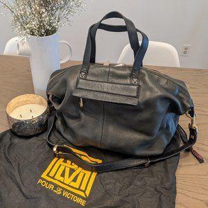 Pour La Victoire Leather Purse